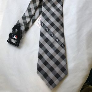Chicago White Sox Official MLB tie baseball